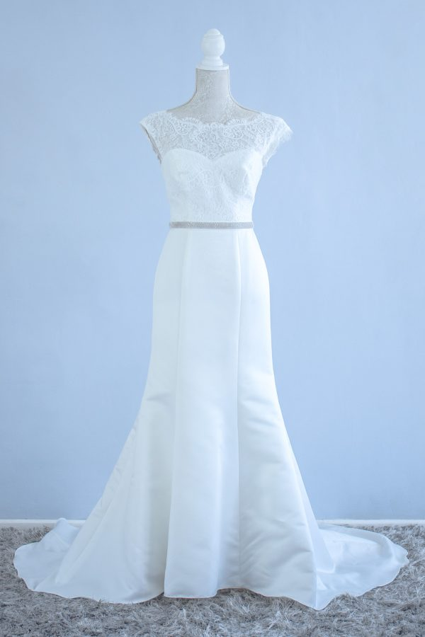 Second Hand Wedding Dresses And Pre Owned Bridal Gowns Book A